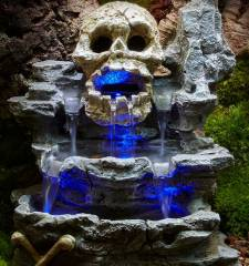 Zoo Med ReptiRapids LED Waterfall Small Skull Rock