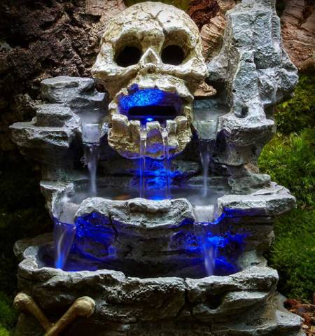 Zoo Med ReptiRapids LED Waterfall Medium Skull Rock